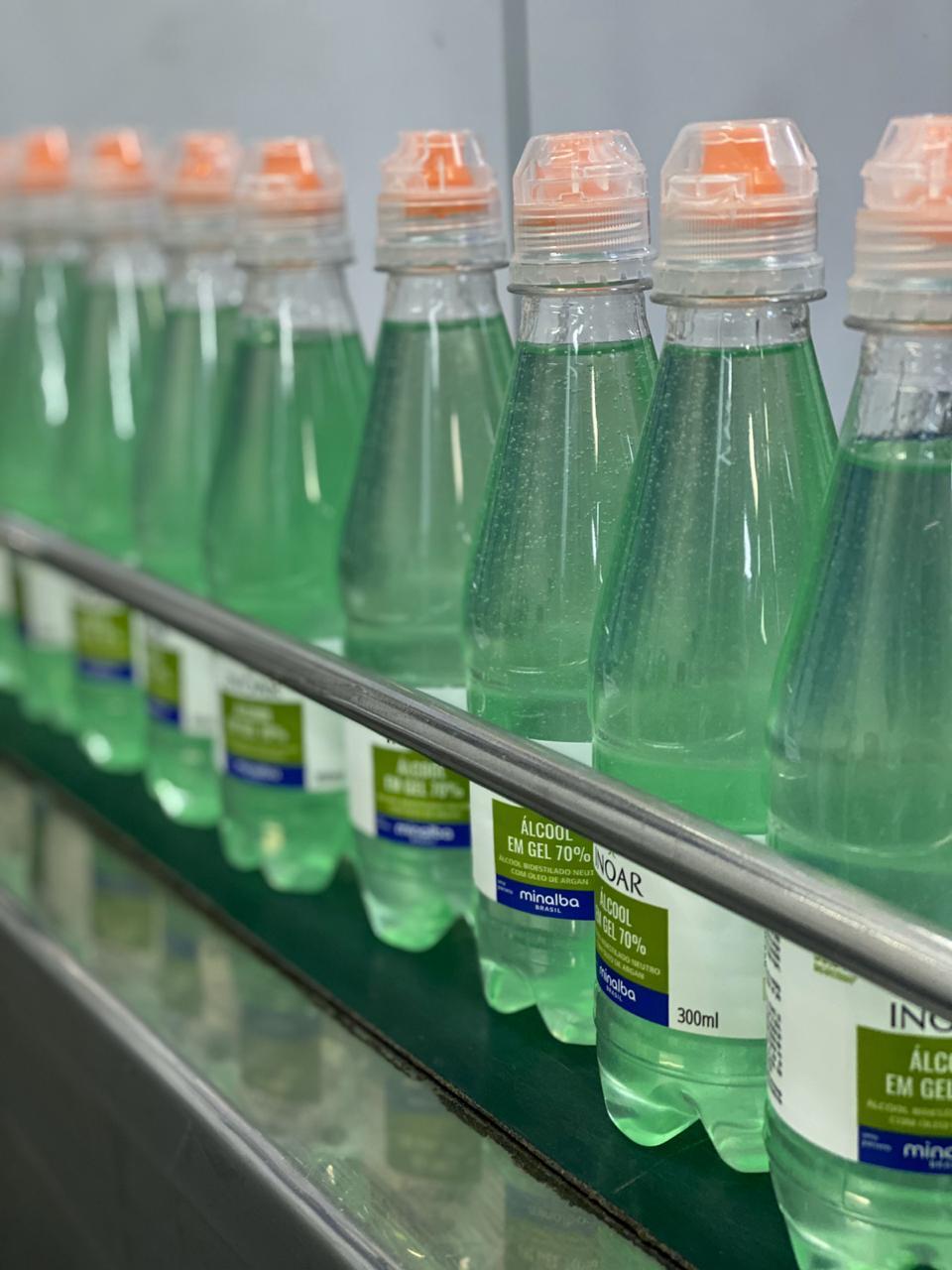 Inoar doa álcool gel 70% para ONG direcionada a crianças em Taboão da Serra (SP)